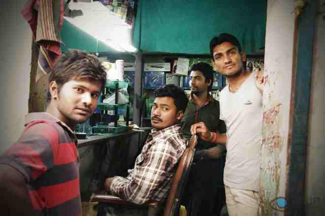 sanjay-colony-barber-shop_14738006780_o