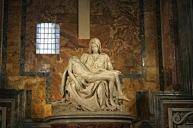 Michelangelo's_Pieta_5450